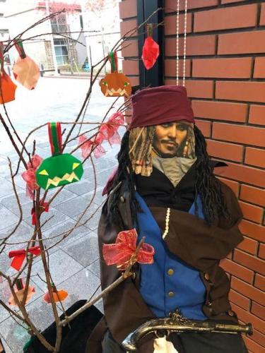 市民交流施設「ぷらっと」ハロウィン飾り付け